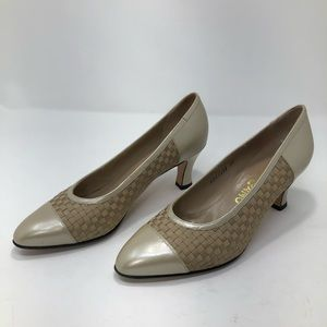 Salvatore Ferragamo Vintage Neutral Leather Heels